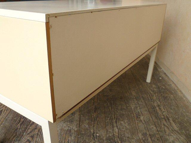 stylisches sideboard kommode wei schrank flurschrank 60er 70er space age ebay. Black Bedroom Furniture Sets. Home Design Ideas