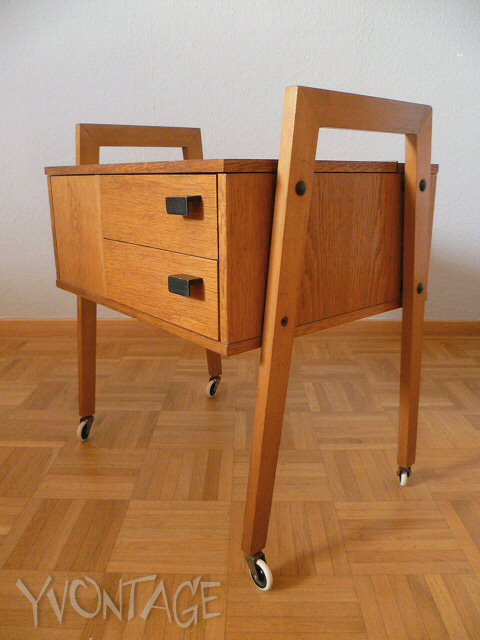 n hkasten n hwagen n hk stchen eiche holz bauhaus kubistisch 40er 50er ebay. Black Bedroom Furniture Sets. Home Design Ideas