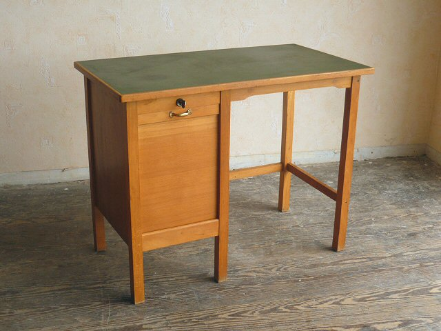 bauhaus rolladen schreibtisch klein kinderschreibtisch lady desk 50er 60er ebay. Black Bedroom Furniture Sets. Home Design Ideas